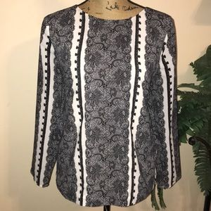Awesome Lace Patterned Top